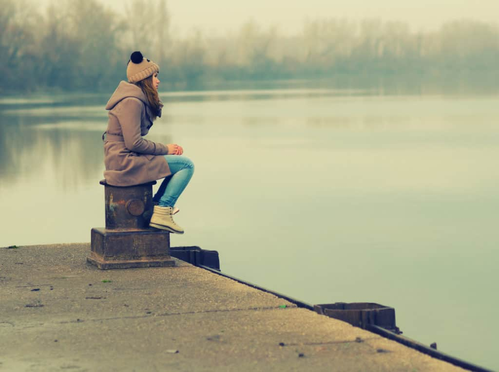 conquer your fear of being lonely while traveling