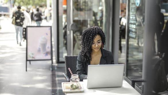 Should Digital Nomads Form a Business Entity?